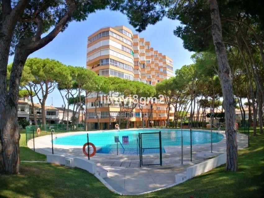 Ideal location, with sea views! Second line Beachfront apartment in urbanization Viola, Calypson 4. ,Spain