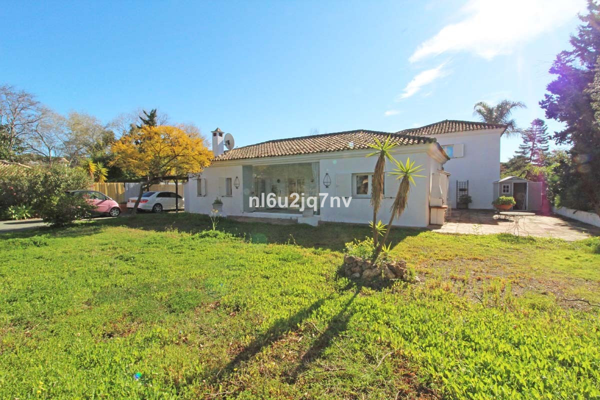 Detached one bedroom villa set on a plot of 650m2 beachside in Artola (Cabopino), situated just a sh, Spain