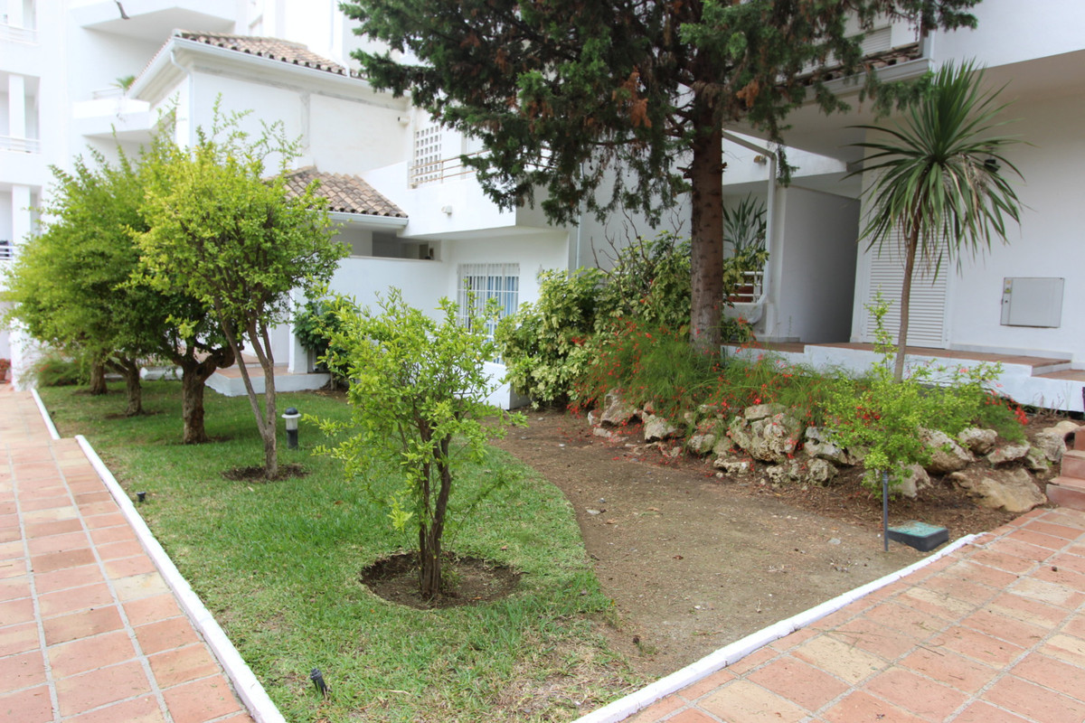 Middle Floor Apartment, Guadalmina Baja, Costa del Sol. 3 Bedrooms, 3 Bathrooms, Built 160 m&sup, Spain