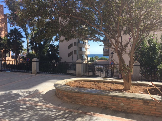 COMERCIAL  in second line of marbella in a very frequented area very close to the FUERTE hotel. Curr,Spain