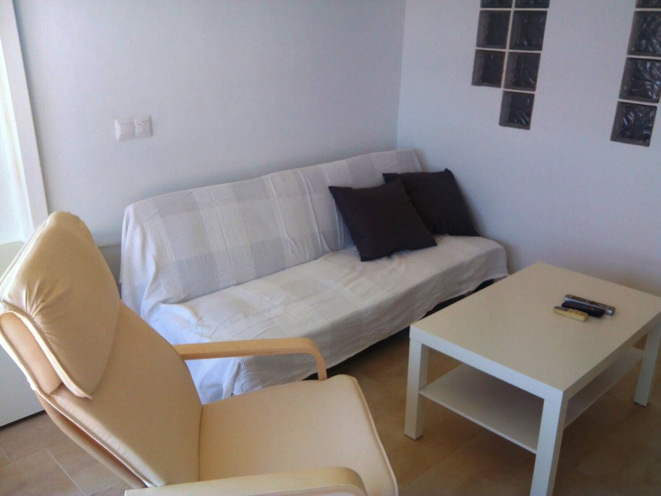 Beautiful cosy studio / one bedroom apartment, completely renovated for sale in the center of Torrem, Spain