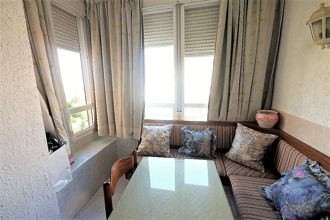 GAMONAL AREA, FURNISHED AND EQUIPPED STUDIO, LARGE GARDENS WITH 5 SWIMMING POOLS , CLOSE TO AMENITIE,Spain