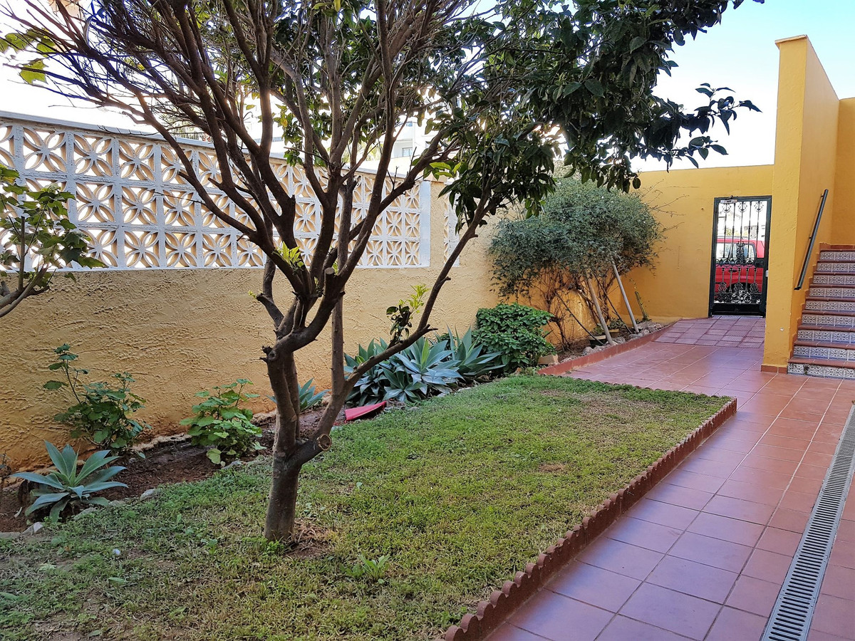 The apartment: -44m2. -1 bedroom and 1 bathroom. -South orientation. -Ground floor.. -Double glasses,Spain