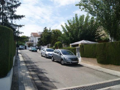Large townhouse of 187m2 in a leafy suburb of Albiada. Close to town and excellent access.Quiet loca, Spain