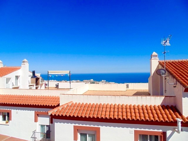 Very spacious and modern apartment in the beautiful Andalucian white village of Benalmadena Pueblo i, Spain
