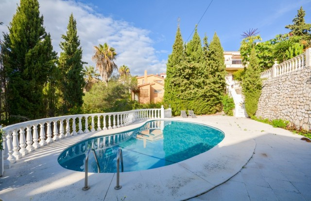 Recent reduction for a quick sale from 599.900 to 540.000...  Large Villa in Torreblanca with large ,Spain