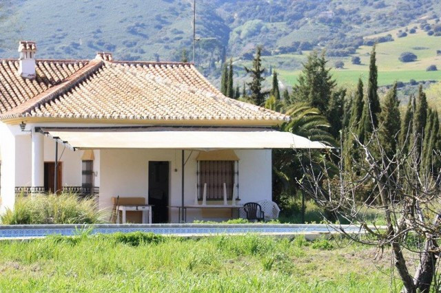 The farm is located about 8 kilometers from the city of Ronda. It has an area of 12.000 square meter,Spain
