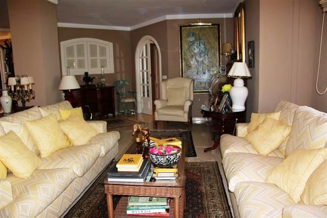 Very nice apartment, located in the center of Marbella, has 2 bedrooms, one en suite, a large lounge,Spain