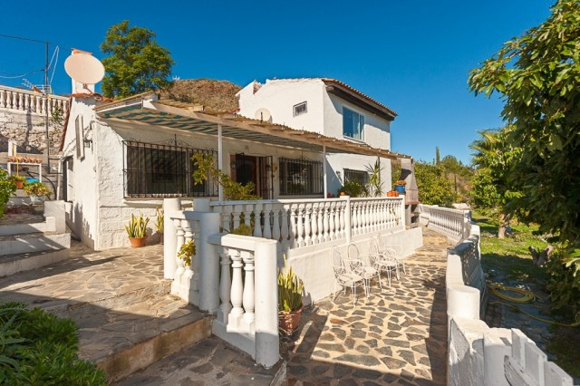 Finca very well situated in Alhaurin Golf with excellent access by road and close to services and ju,Spain