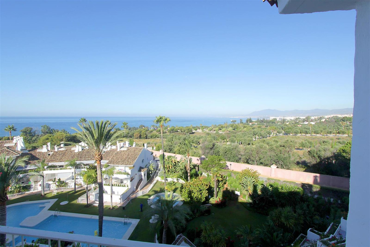 Penthouse, Rio Real, Costa del Sol. 2 Bedrooms, 2 Bathrooms, Built 155 m², Terrace 100 m².  Setting , Spain