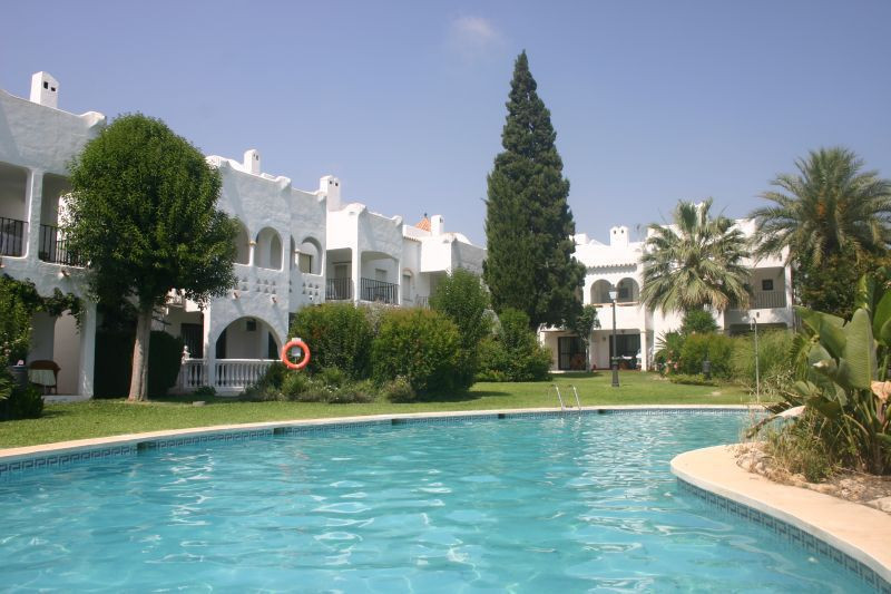 Perfect townhouse of 144m2 in Bel-Air urbanization between San Pedro and Estepona, it counts with 3 , Spain