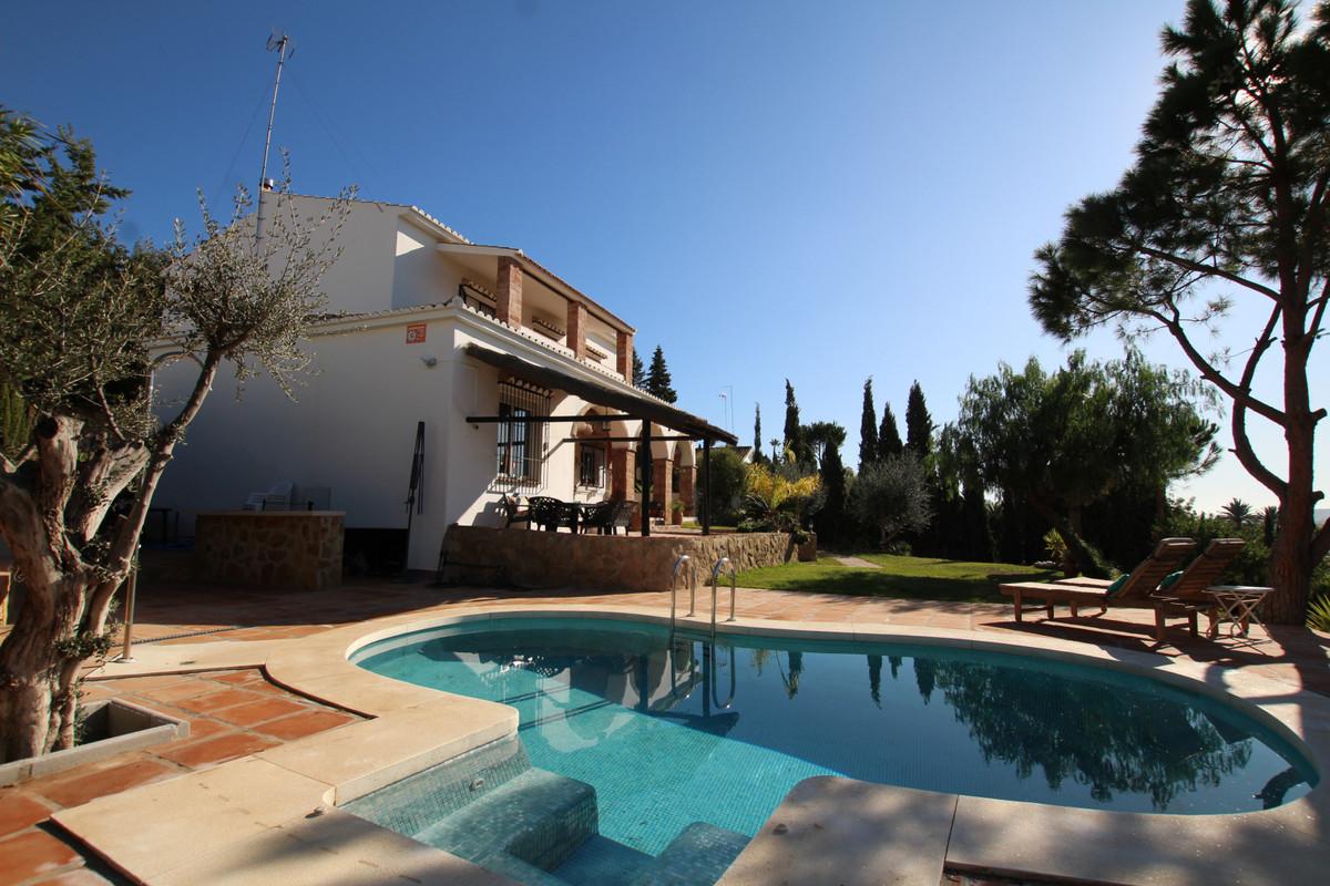 4 Bedroom Detached Villa For Sale Sierrezuela