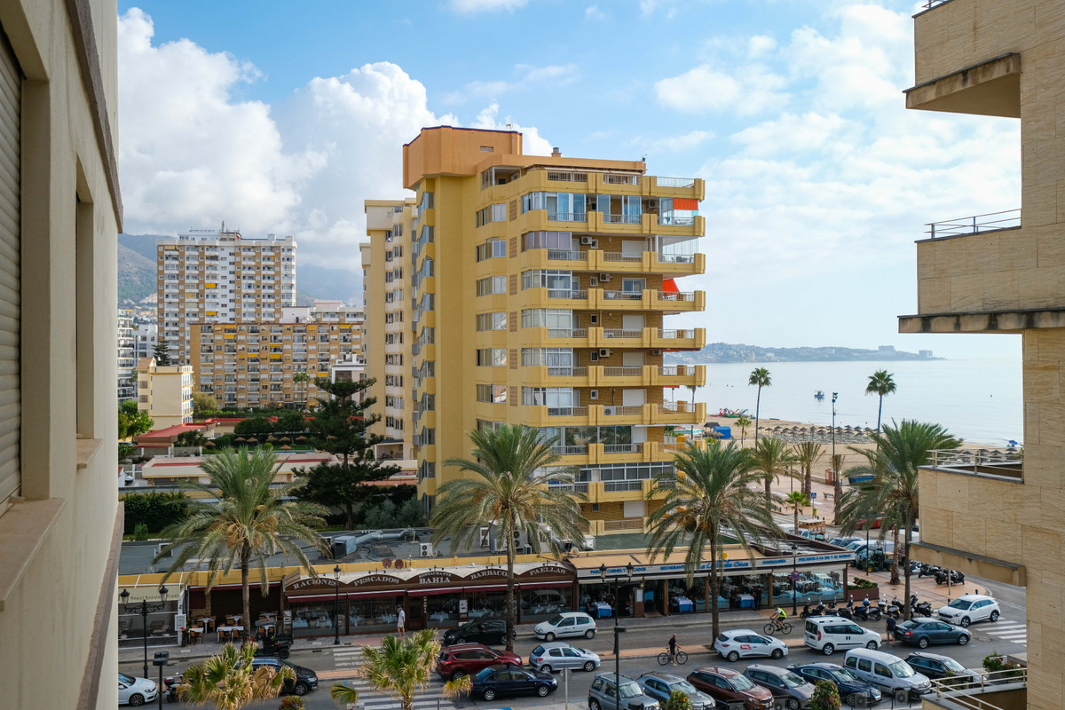For sale a two bedroom and one bathroom apartment only one block (50 m) from the beach promenade Pas,Spain
