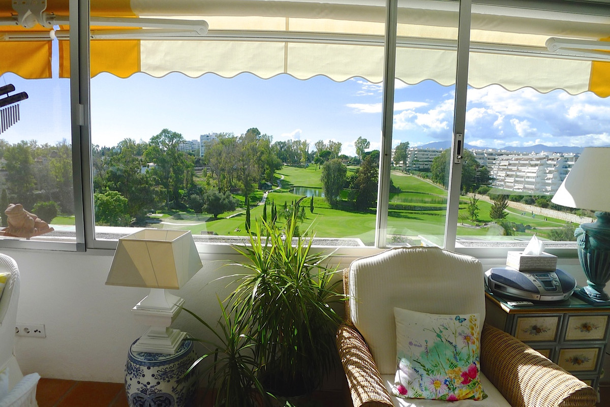 Fabulous front line golf 2 bed apartment with spectacular golf views in Guadalmina Alta. Only a few , Spain