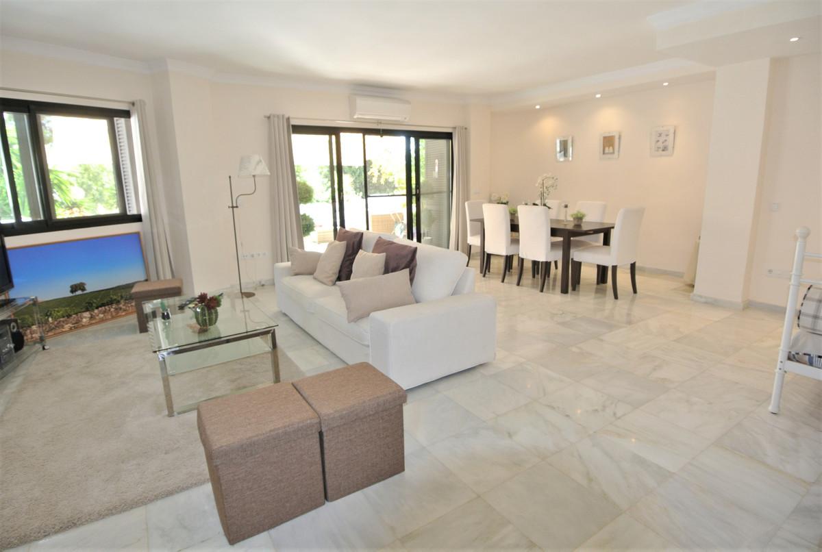 Apartamento en Venta en The Golden Mile – R3632534