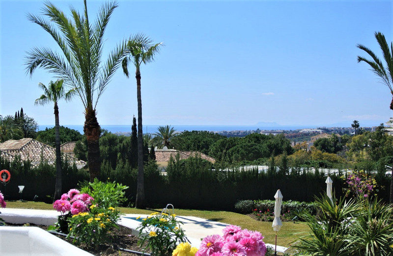 Marbella Banus Apartamento Planta Media en venta en The Golden Mile – R3574192