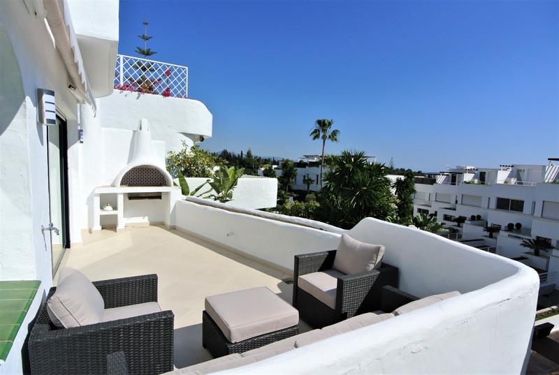 Marbella Banus Apartamento Planta Media en venta en The Golden Mile – R3611093