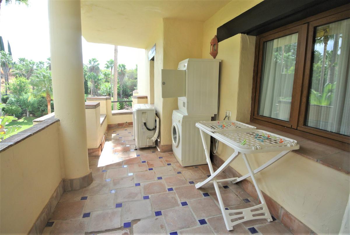 Apartamento Planta Media en Venta en The Golden Mile – R3610634