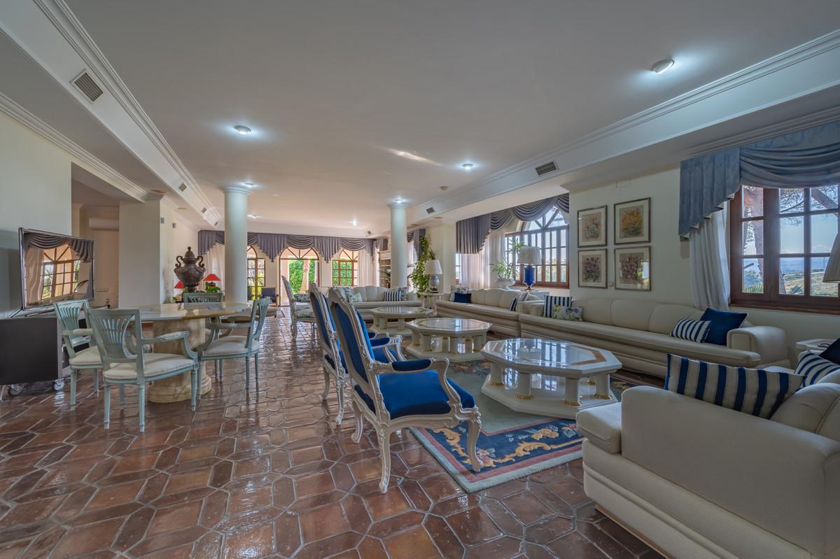 Villa con 18 Dormitorios en Venta The Golden Mile