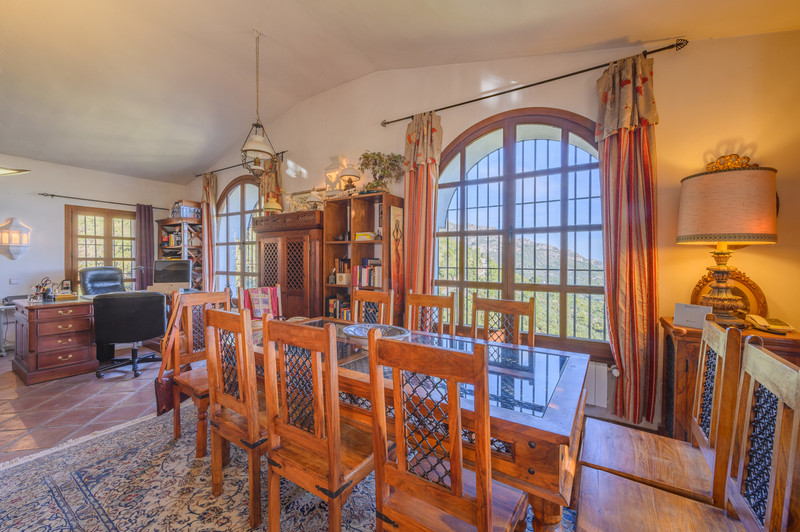 Villa – Chalet en venta en Ojén – R3576427