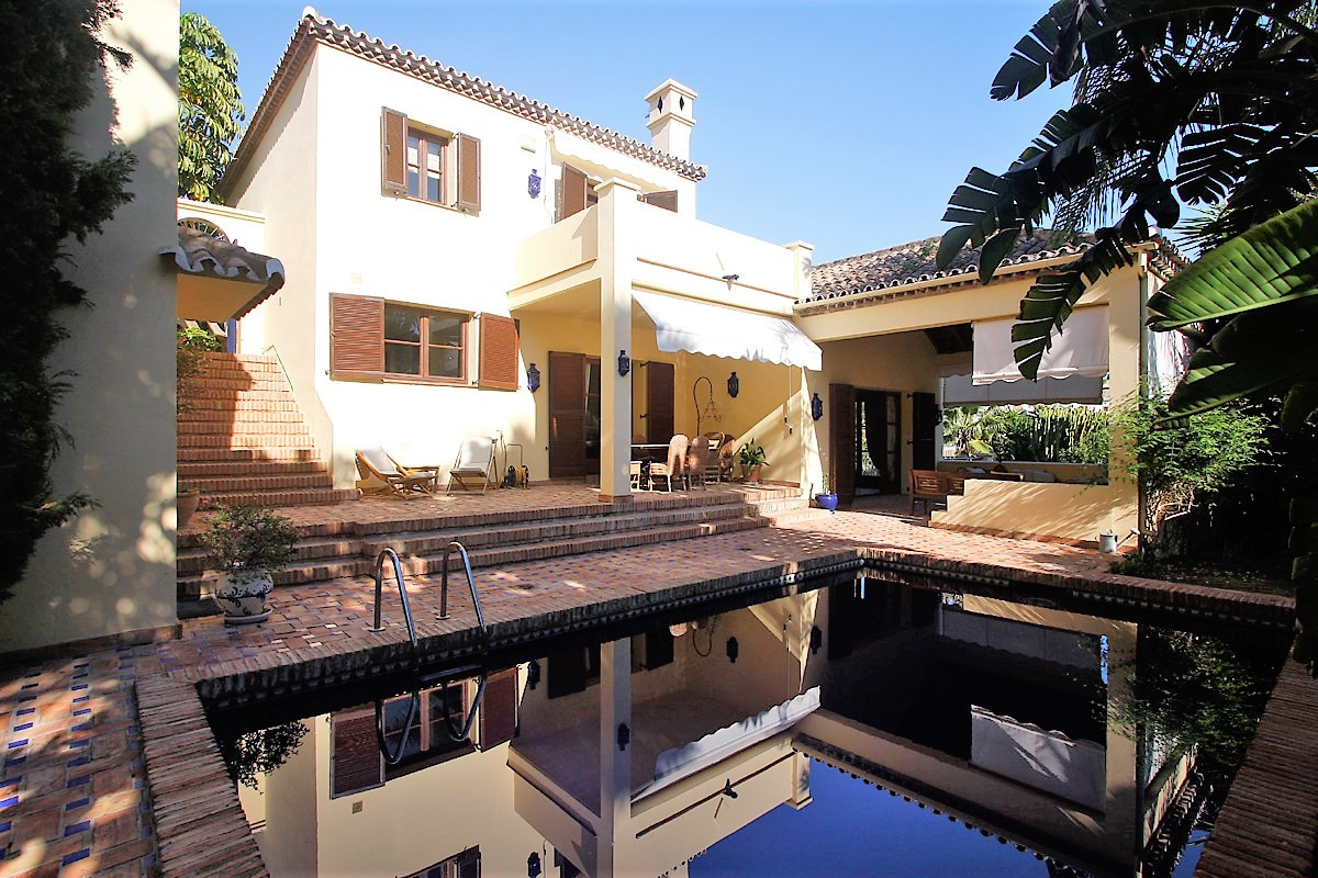This charming villa is located in Las Lomas del Marbella Club, part of the Golden Mile, just minutes,Spain