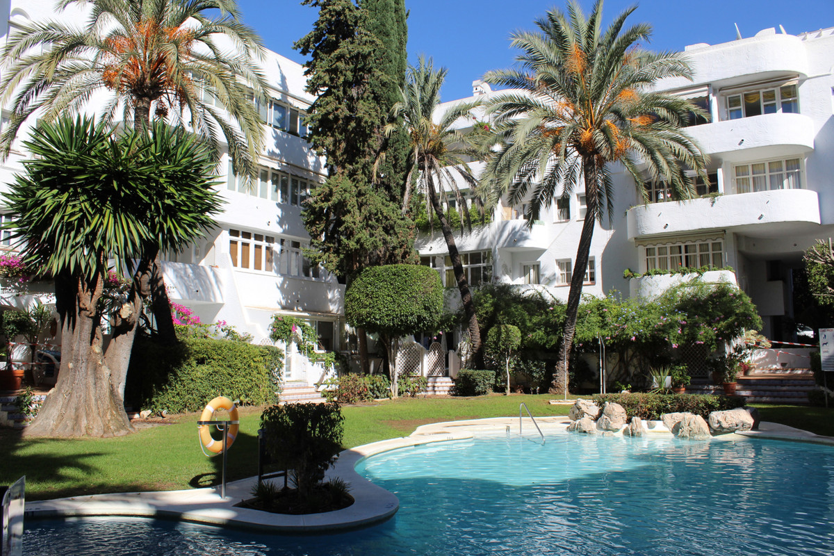 Marbella Banus Apartamento en Venta en Marbella – R3293197