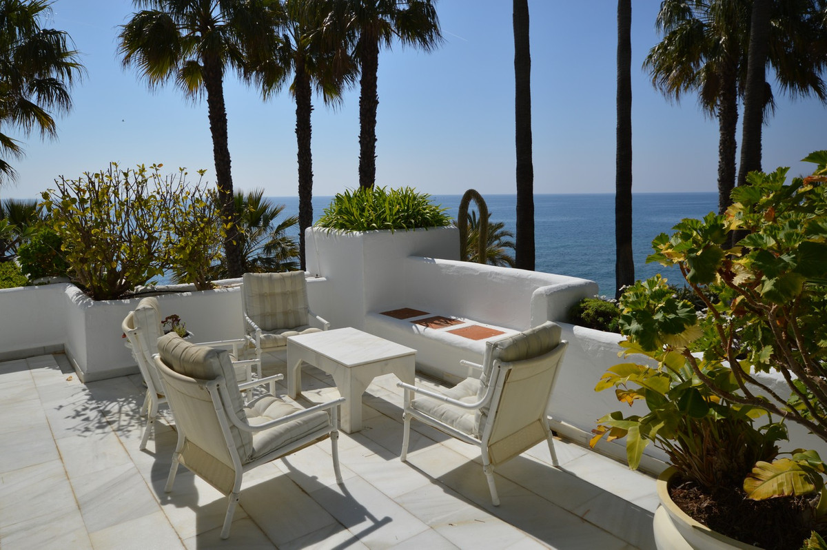 Unique opportunity !! Directly at the very front-line of the Golden Mile of Marbella between Marbell,Spain