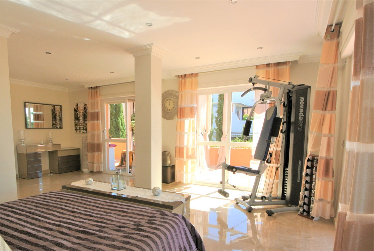 Apartment in The Golden Mile R3499189 21