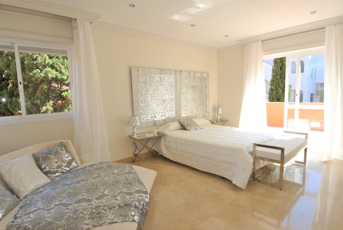 Apartment in The Golden Mile R3499189 27