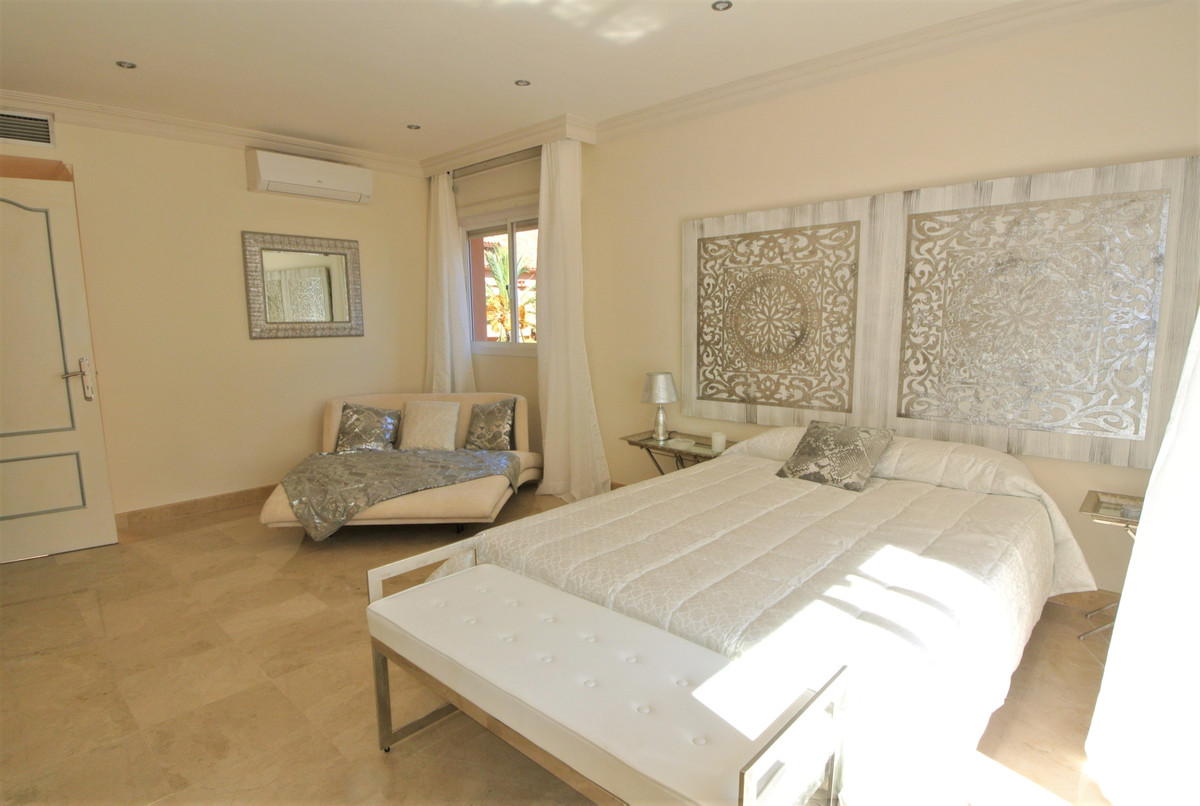 Apartment in The Golden Mile R3499189 28