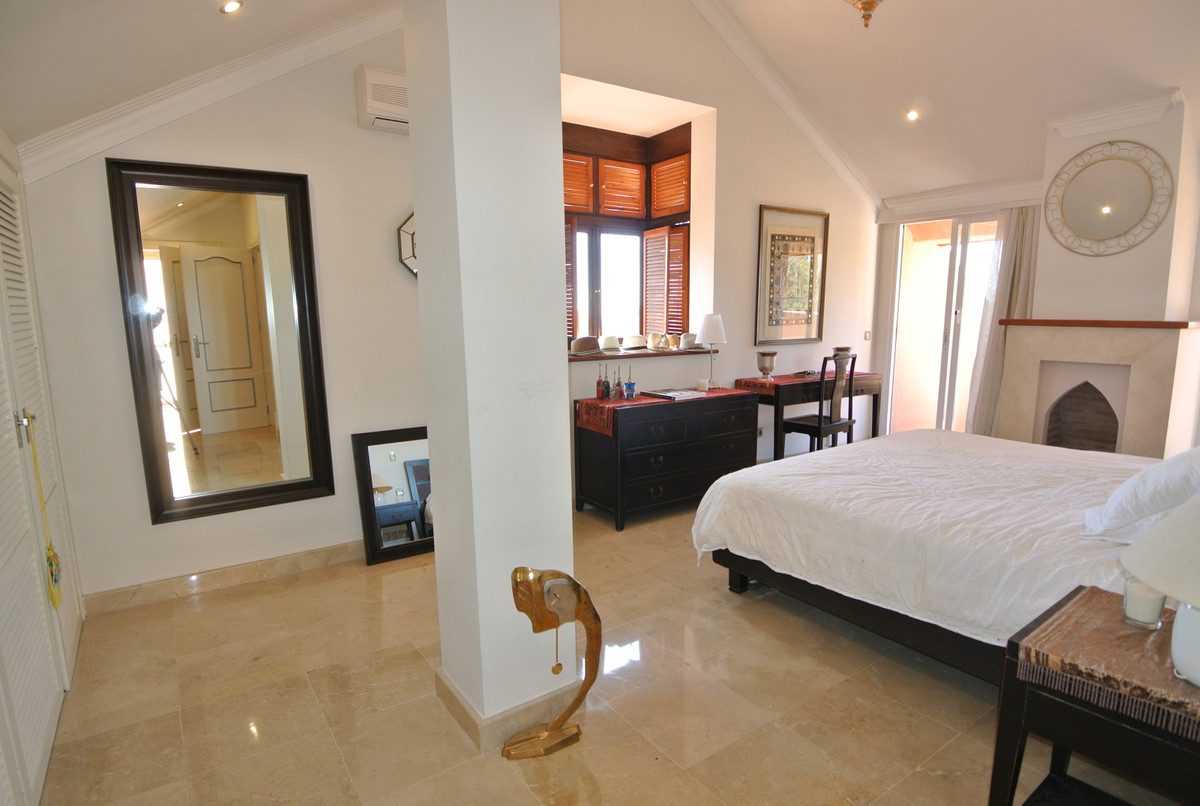 Apartment in The Golden Mile R3499189 30