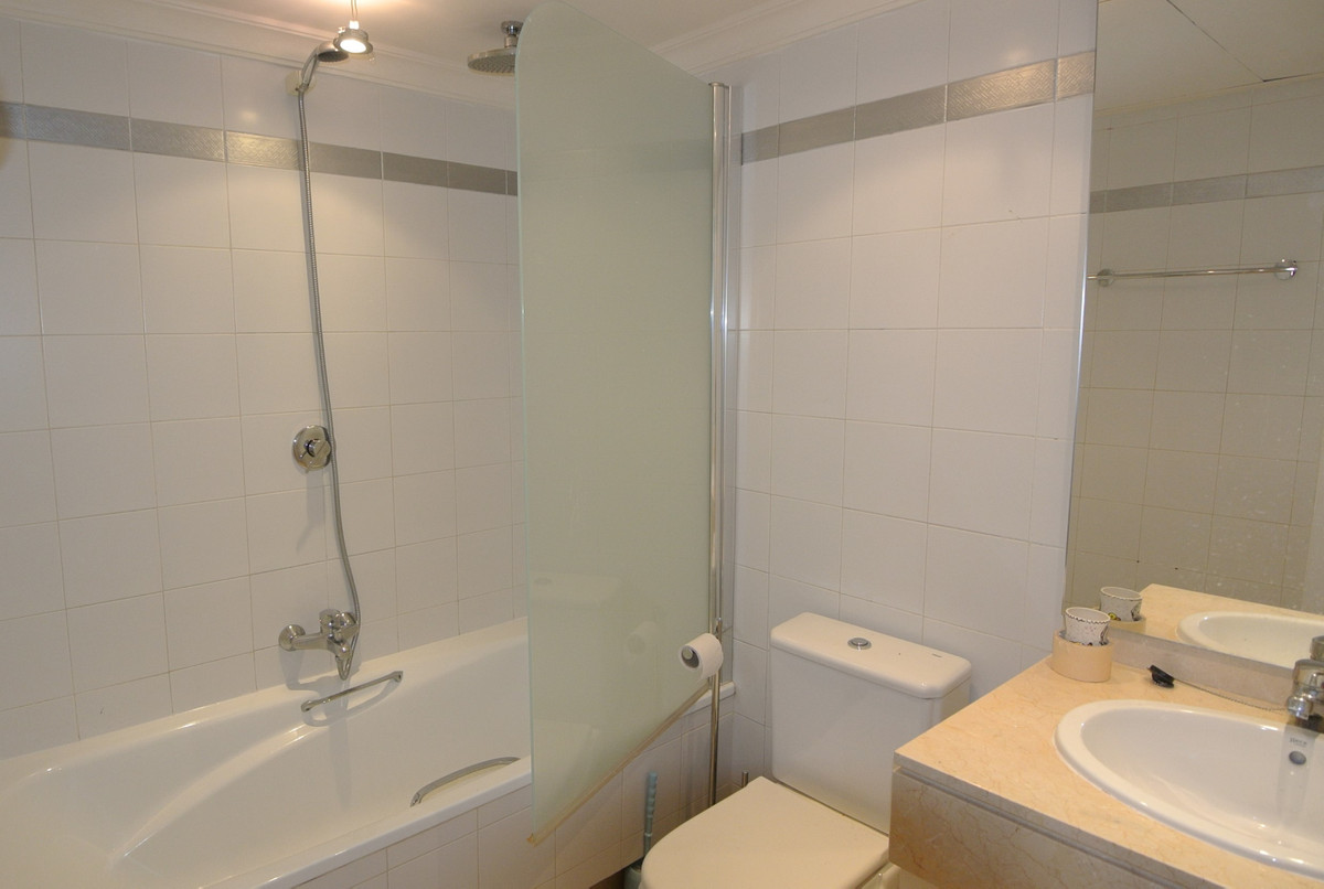 Apartment in The Golden Mile R3499189 38
