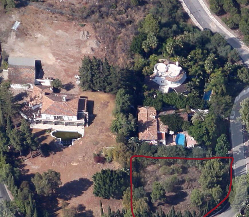 This beautiful plot with 1.660 sqm is situated above the golden mile in Las Lomas del Marbella Club.,Spain