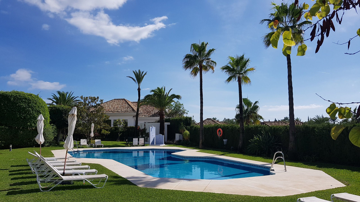 Ground Floor Apartment for sale in Marbella Golden Mile - Marbella Golden Mile Ground Floor Apartment - TMRO-R3275158
