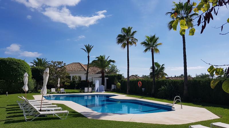 Marbella Banus Apartamento Planta Baja en venta en The Golden Mile – R3275158