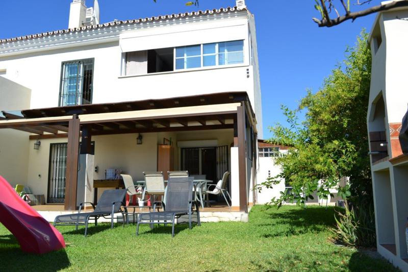 Lovely and private townhouse in Nueva Andalucia, next to the river Guadaiza and close to the golf co,Spain