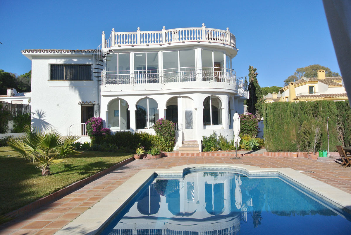 This dream villa is located in one of the most popular areas of Marbella, in a quiet street, about 3, Spain