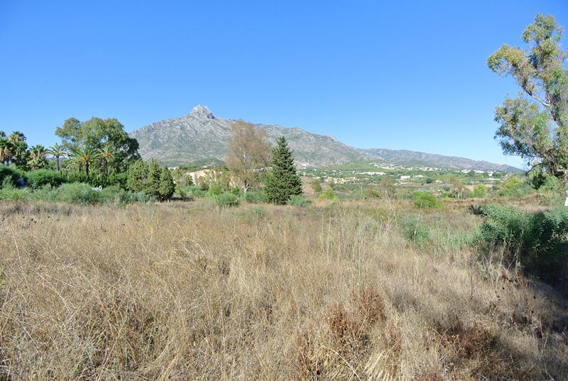 Marbella Banus Terreno Urbano en venta en The Golden Mile – R3275275