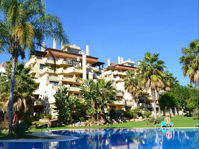 This amazing  apartment is situated in one of the newest urbanization of Las Lomas del Marbella Club Spain