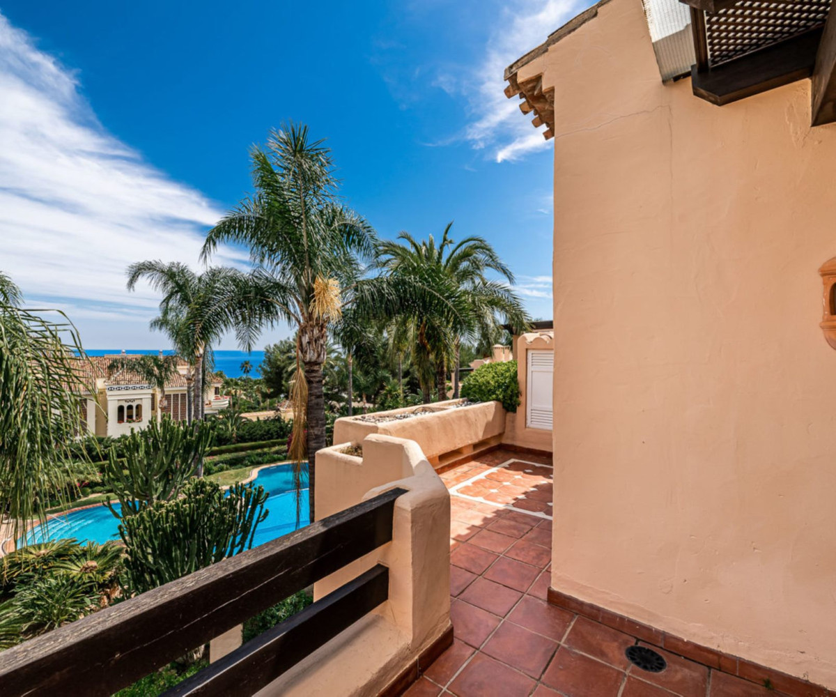 This beautiful and bright apartment with south orientation is located in a luxury development in the,Spain