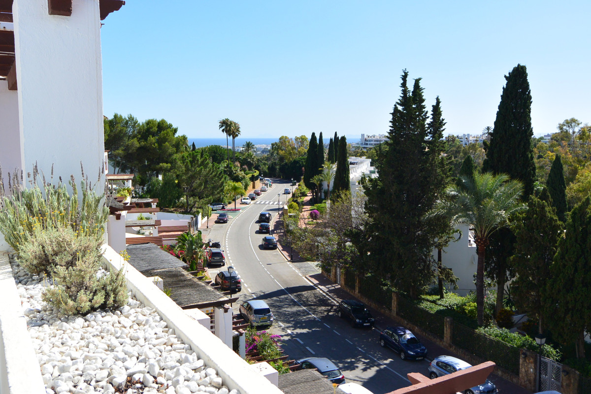 Marbella Banus Apartamento Planta Media en Venta en The Golden Mile – R2950964