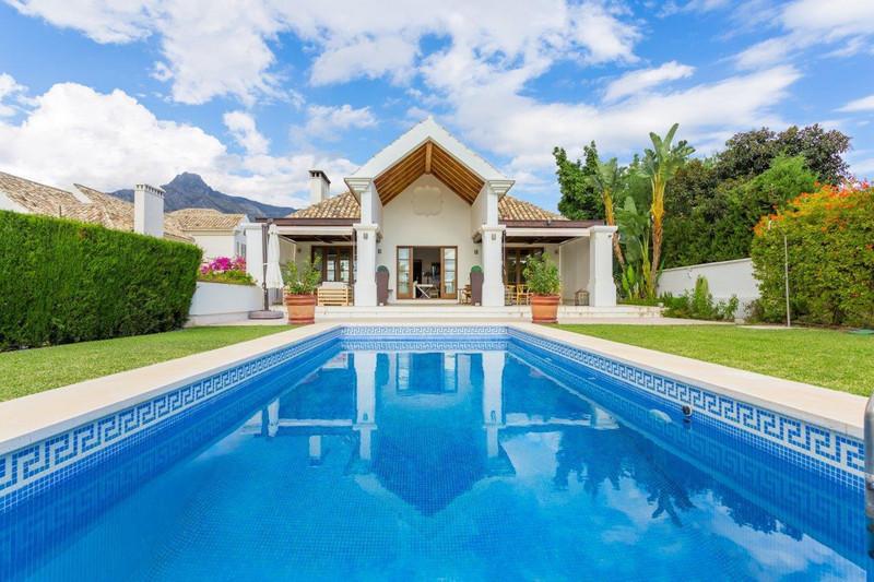 Villa – Chalet en venta en The Golden Mile – R2983361