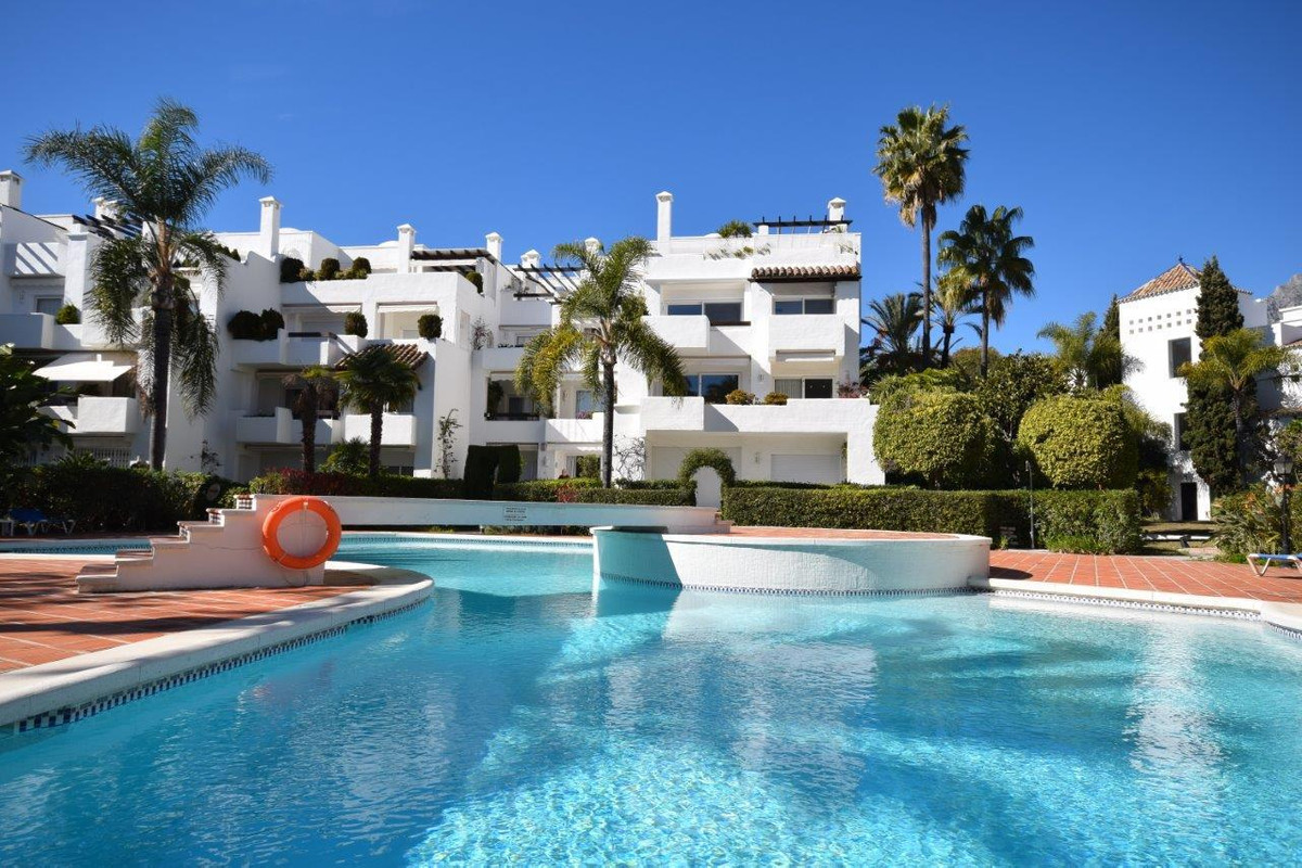 Beautiful apartment in one of the most sought after residential developments on Marbella's Golde,Spain