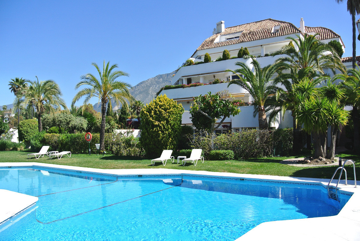 This penthouse apartment is located in a prestigious urbanization in Las Lomas del Marbella Club. Th, Spain