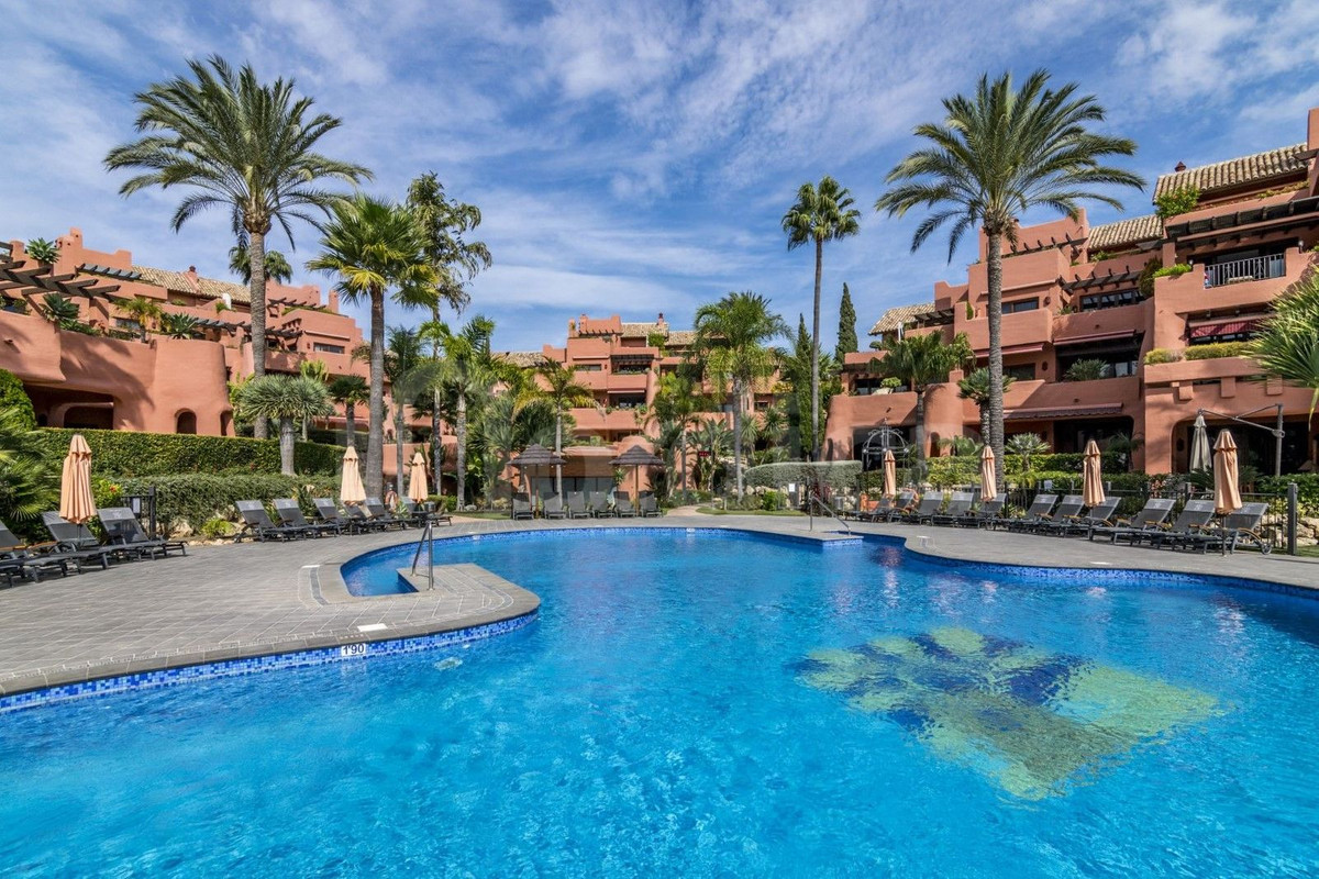 3 bedroom apartment on beachfront  Located on the very first line of beach in a luxury complex with Spain
