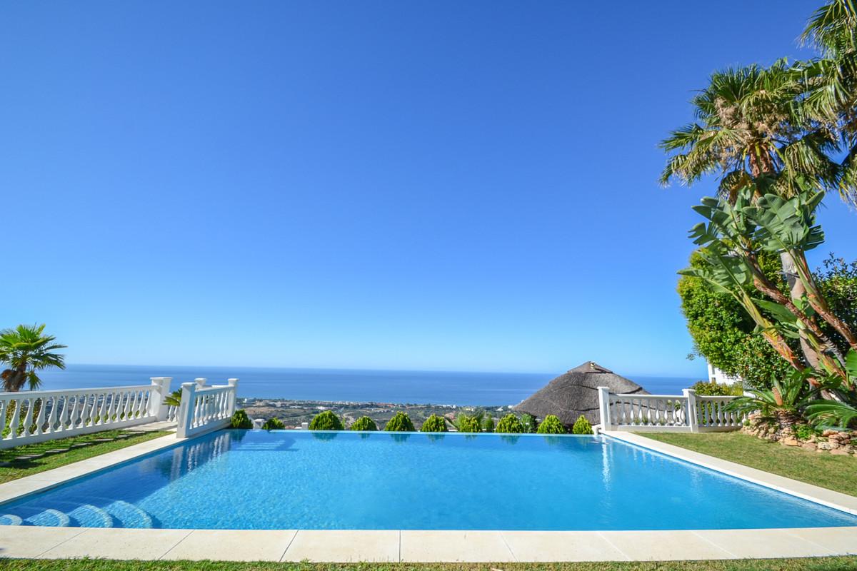 Marbella Banus Villa – Chalet en Venta en Altos de los Monteros – R2928875