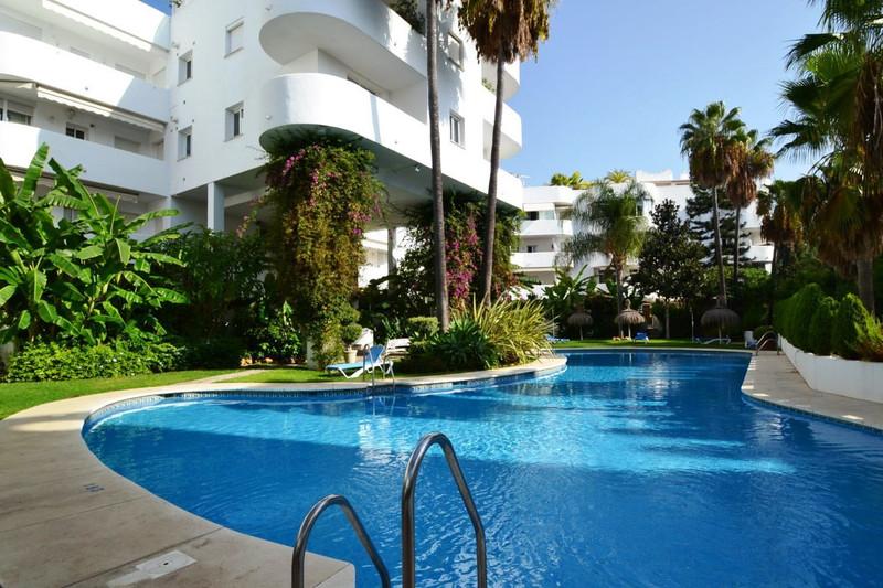 Marbella Banus Apartamento Planta Baja en venta en The Golden Mile – R3259180