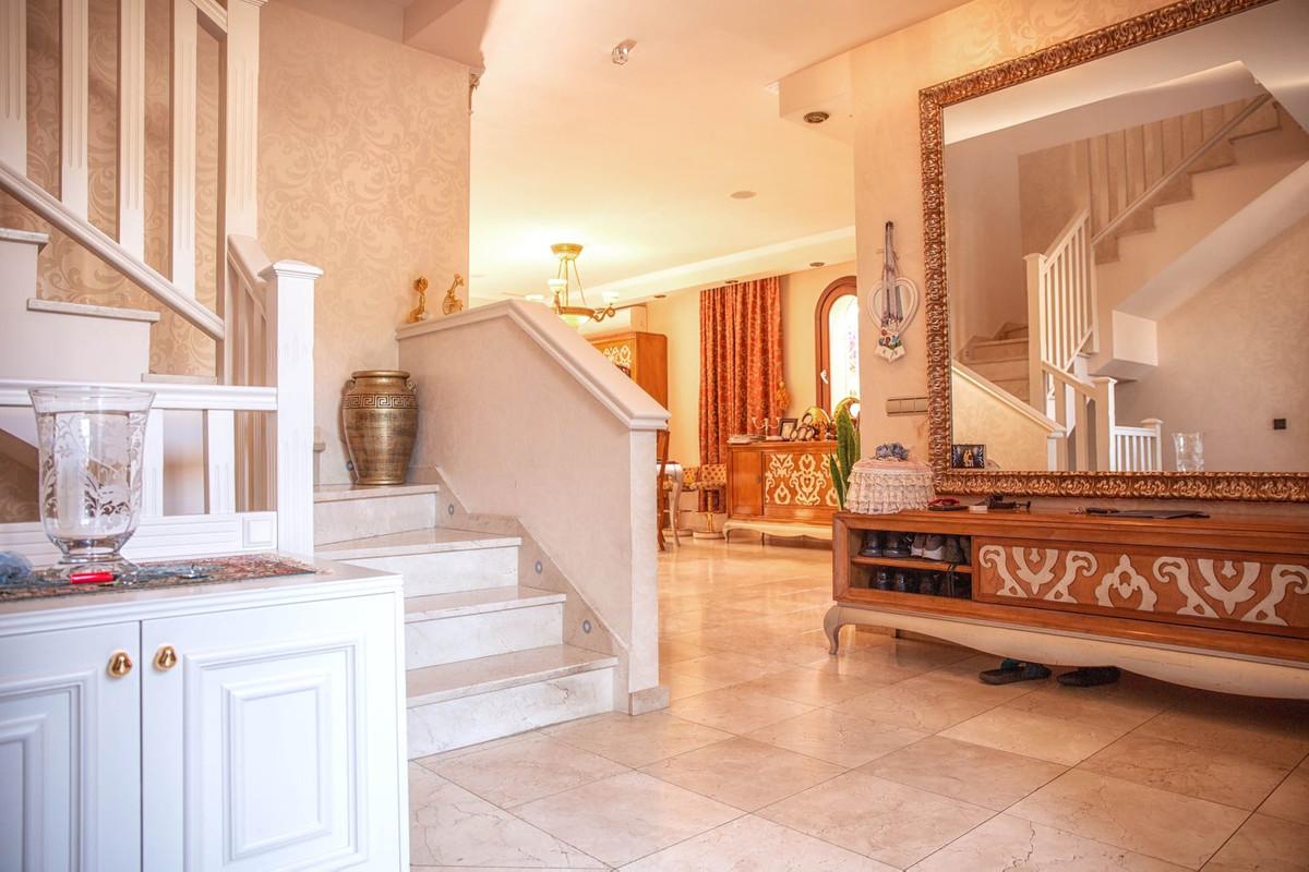 Villa – Chalet en Venta en San Pedro de Alcántara – R3211840