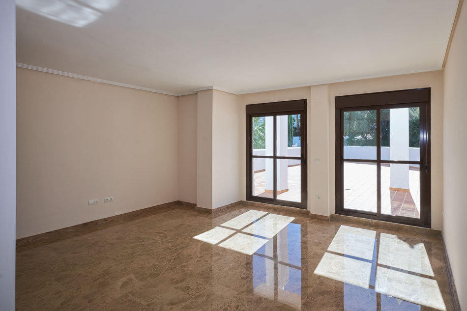 2 bedrooms apartament in Estepona  Modern brand new apartment with 2 bedrooms and 2 bathrooms facing, Spain