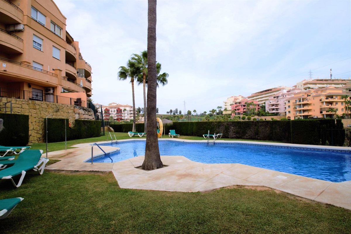 2 bedroom apartment in Riviera del Sol  Cozy two bedroom apartment in an excellent and quiet area of,Spain